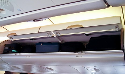4-Luggage_compartments_Airbus